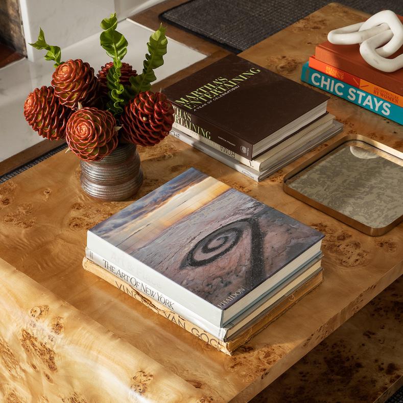 coffee-table-art-books-accessories