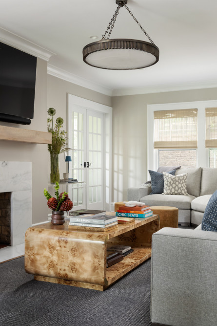 living-room-coffee-table-round-chandelier-lighting