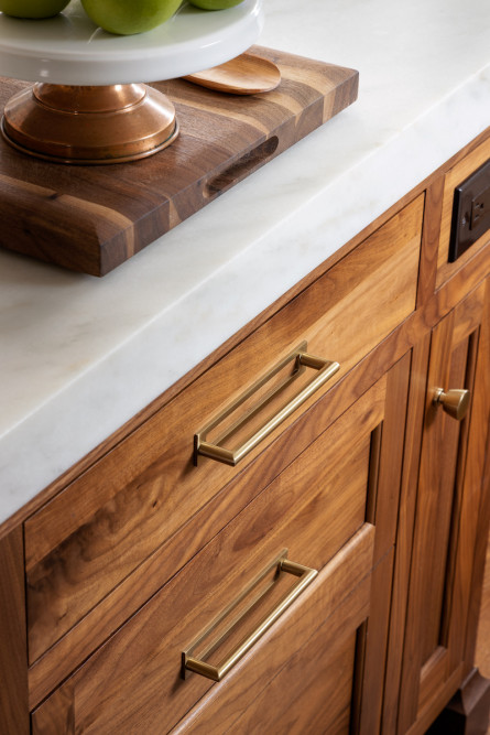 natural-wood-gold-hardware-kitchen-interior-design